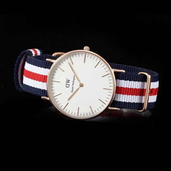 Часы Burberry DWK22DW