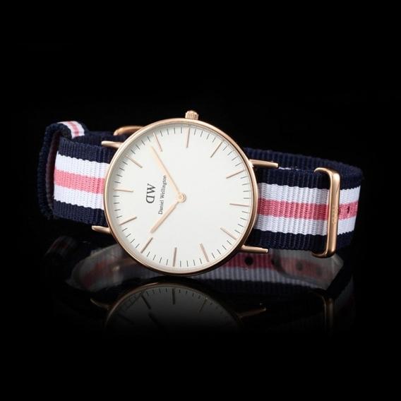 Часы Daniel Wellington DWK76DW