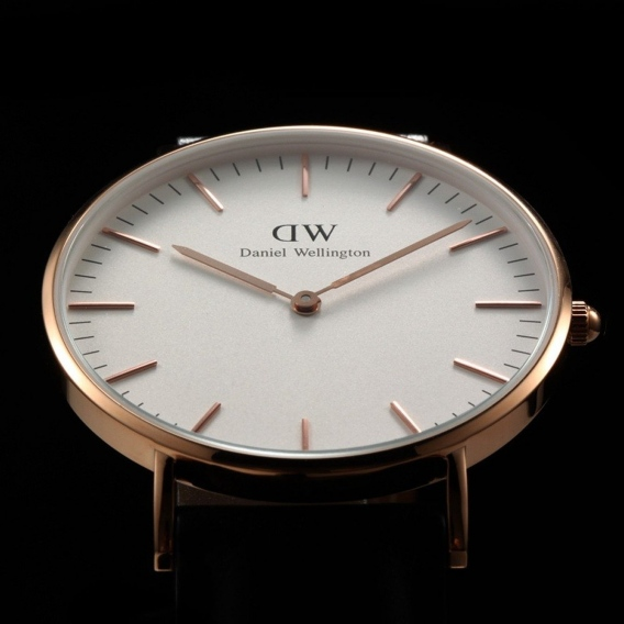Часы Daniel Wellington DWK98DW