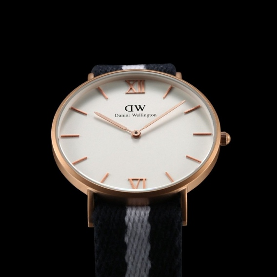 Часы Daniel Wellington DWK62DW