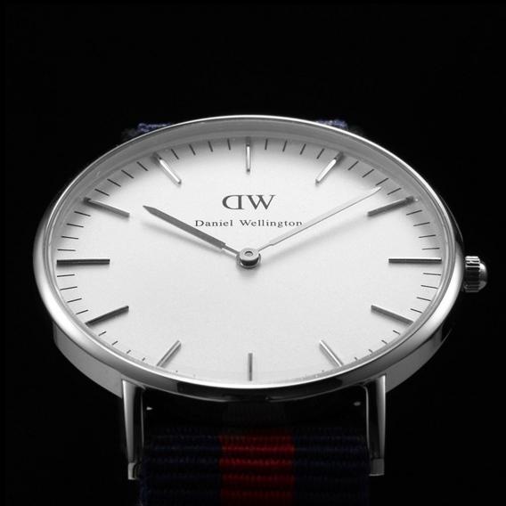 Часы Daniel Wellington DWK61DW