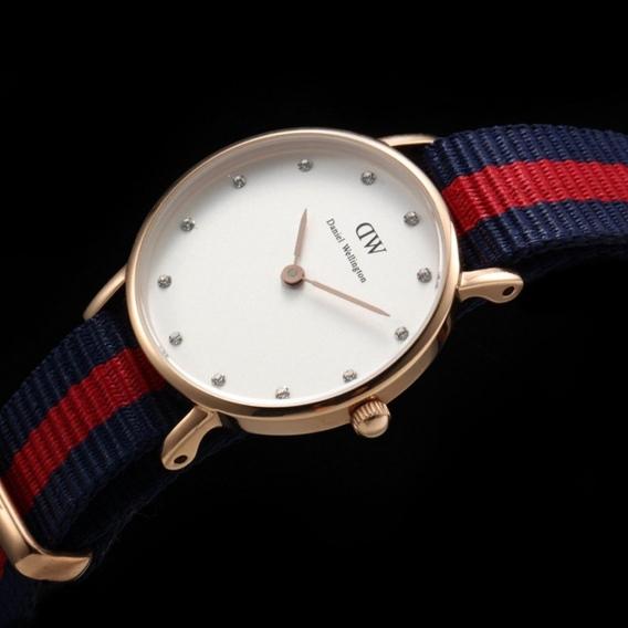Часы Daniel Wellington DWK55DW